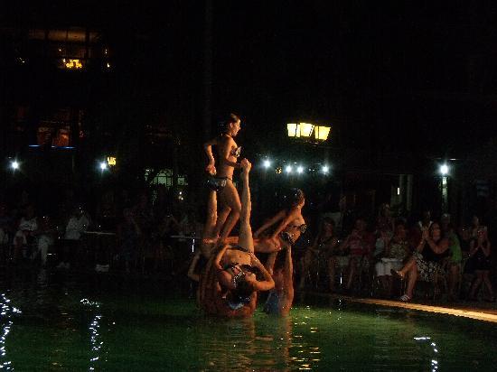 Brisas Guardalavaca Hotel: water ballet