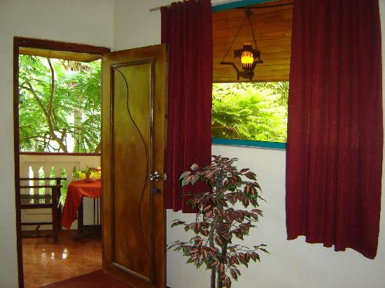 Amarasinghe Guest House : Room