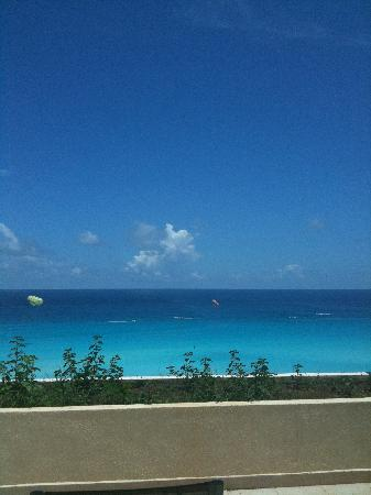 Live Aqua Beach Resort Cancun: View from Deluxe Ocean terrace