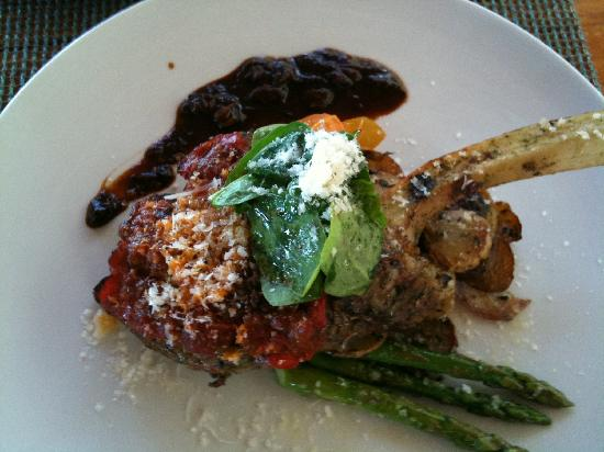 Live Aqua Beach Resort Cancun: Special veal shank treat from Chef Eric at Azur