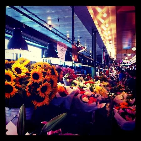 Pike Place Market: flowers and fun