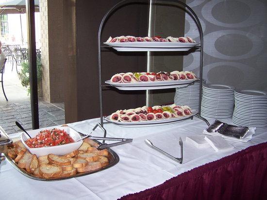 Liberatore's Restaurant: Appetizers: antipasta, cheese, bruschetta