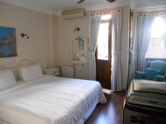 โรงแรมซารี โคนัค: Our room