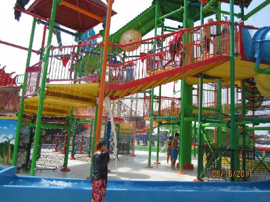 Coco Key Hotel and Water Park Resort: Water park