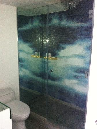 Mondrian South Beach Hotel: Bathroom