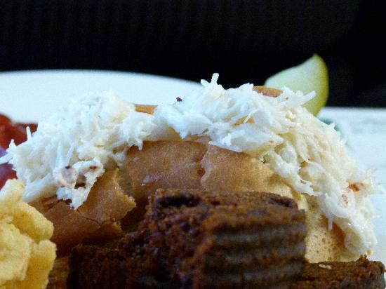 The Blue Bird Ranch Restaurant: The best crabmeat roll there is! (detail)