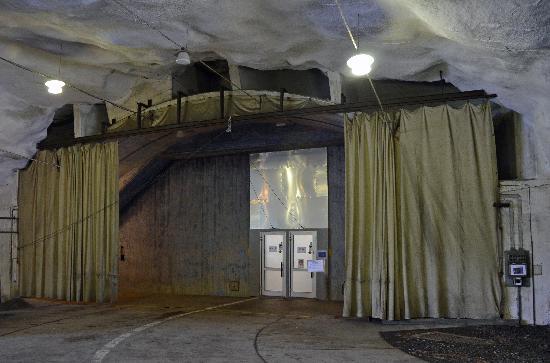 Aeroseum: Museum entrance (Blast) door