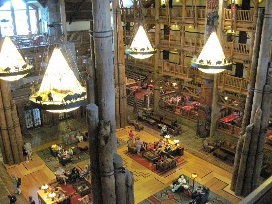 Disney's Wilderness Lodge: Lobby of Wilderness Lodge, from the 6th floor