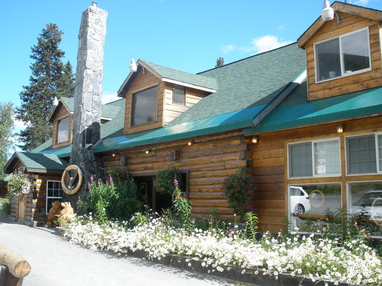 Summit Lake Lodge: view of front of Lodge