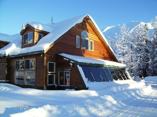 Summit Lake Lodge: winter pic