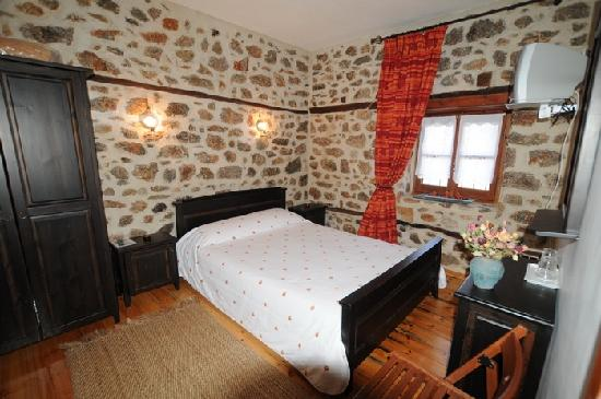 Aposkepos Guest House: room