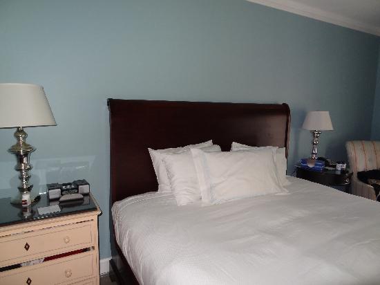 Omni Bedford Springs Resort: A made bed