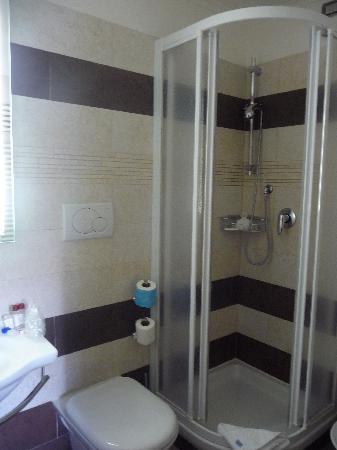 โรงแรมเยส: bathroom