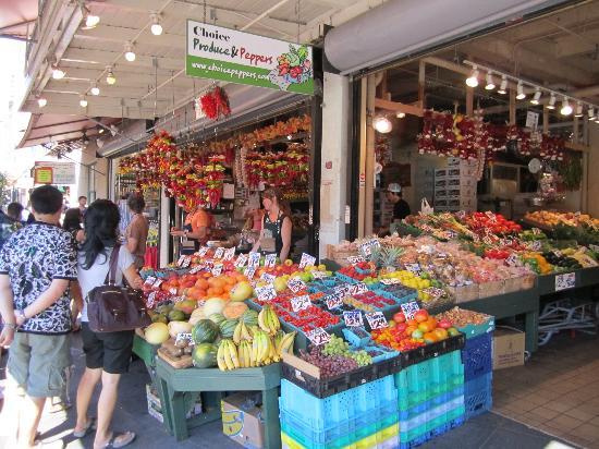 Pike Place Market: pike's place vendor