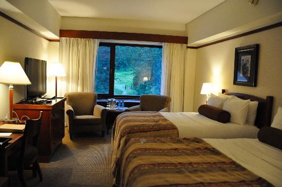 Hotel Alyeska: Our room
