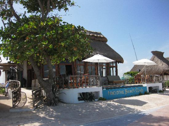 Nacional Beach Club & Bungalows: Oh to be back with a cold beer!