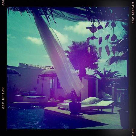 Caballito de Mar: Cabana by the pool