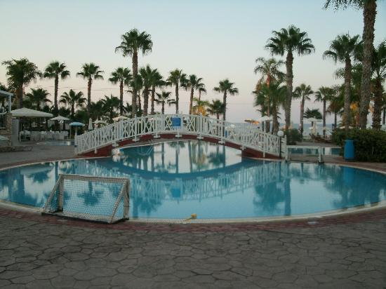 Anastasia Beach Hotel: Tea time view