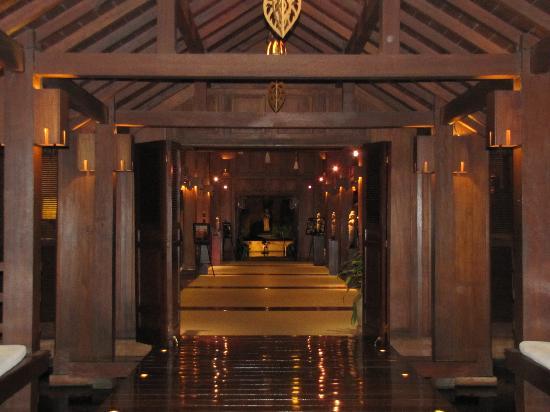 โรงแรมลา เรสิเดนซ์ ดิ อังกอร์: Hotel Lobby