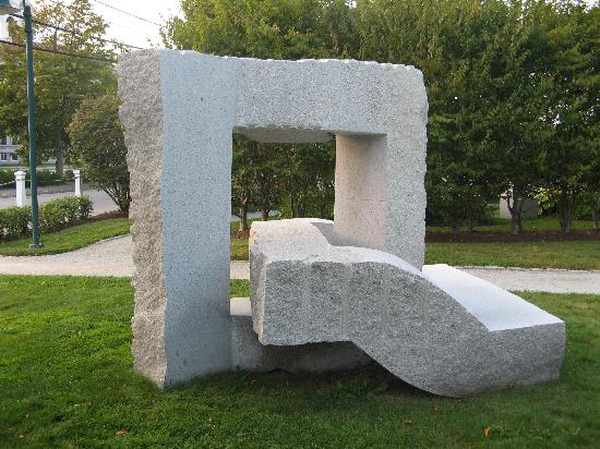 Outdoor sculpture - Picture of Farnsworth Art Museum