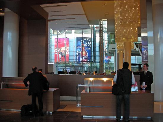 โรงแรมเจดับบลิวแมร์ริออตต์ ลอสแอนเจลิส แอท แอลเอไลฟ์: Lobby