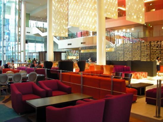 โรงแรมเจดับบลิวแมร์ริออตต์ ลอสแอนเจลิส แอท แอลเอไลฟ์: Bar