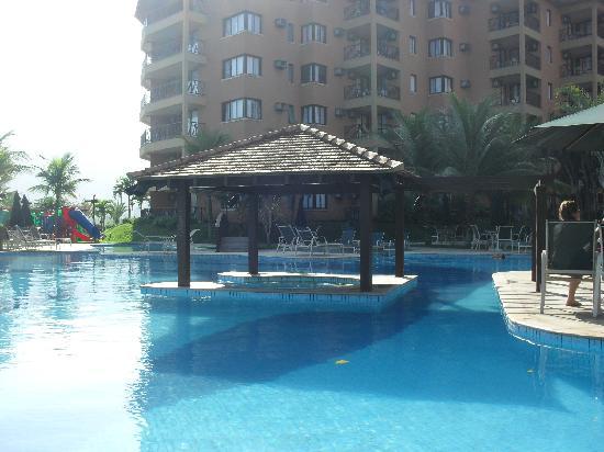 Golden Tulip Angra dos Reis: A piscina é bem grande.