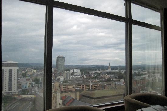 โรงแรมเมอร์เคียวคาร์ดีฟ ฮอลแลนด์เฮ้าส์ แอนด์สปา: View from the window on 12th floor