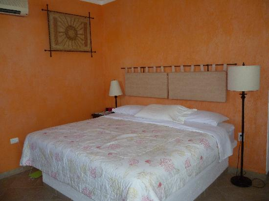 Villa Escondida Cozumel Bed and Breakfast: Large Spacious Rooms