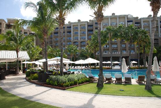 The Ritz-Carlton, Grand Cayman: Main pool area