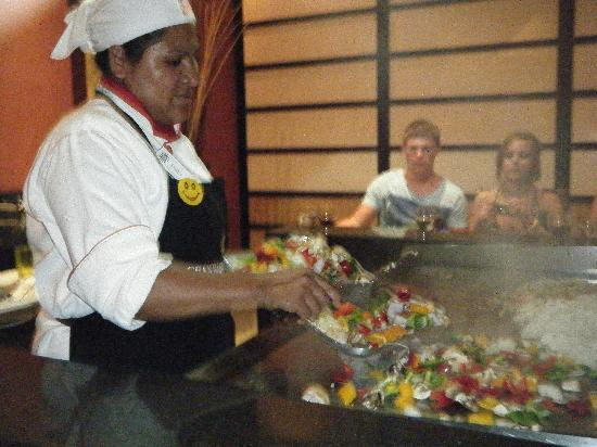 Grand Bahia Principe Tulum: Mikado show table