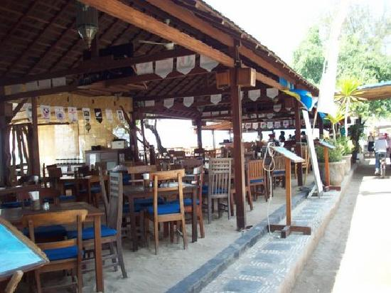Beach House Restaurant: Right in front of hotel