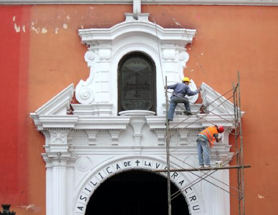 Adventures to Peru: Lima colonial church