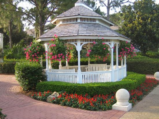 Disney's Port Orleans Resort - Riverside: Just another beautiful touch to the resort.