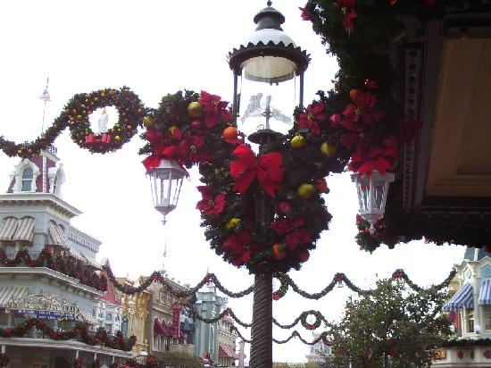 Disney's Port Orleans Resort - Riverside: Christmas on Main Street