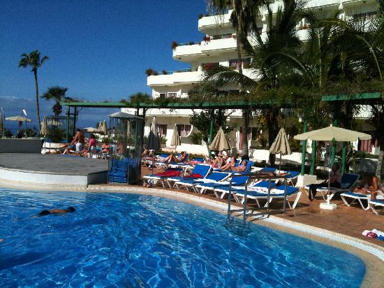 HOVIMA La Pinta : The pool in front of you and the blue ocean behind - a million-dollar view!