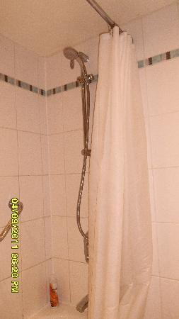 Shower Ramada Dover