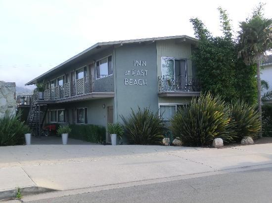 Inn At East Beach: Blick aufs Motel, rechts unten unser Zimmer