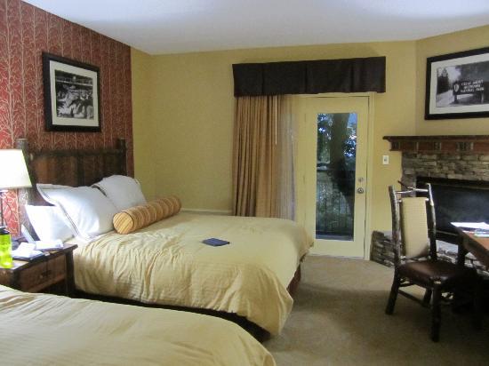 Old Creek Lodge: Room 301