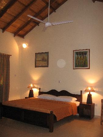Sisimbo Beach Resort: Fresh & Exotic Rooms