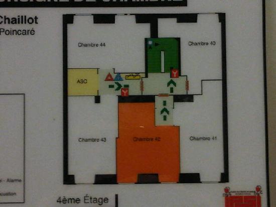 Hotel Palais de Chaillot: Plan d'etage: la 42 est en orange, il y a donc des chambres plus petites...