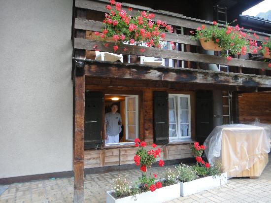Hotel Restaurant Schutzen: View of the room from outside