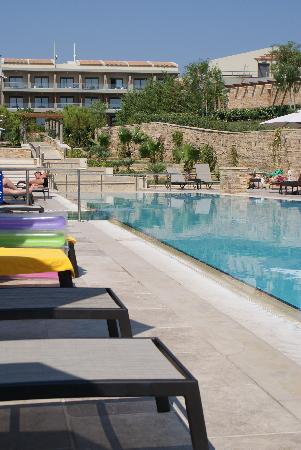 Apollonion Resort & Spa Hotel: Poolside