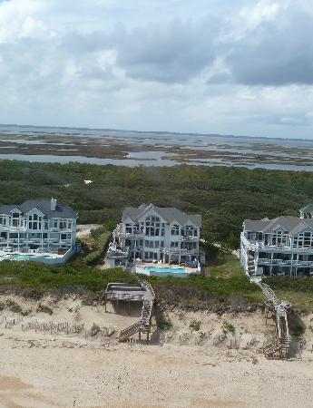 Coastal Helicopters: Buzzin the family