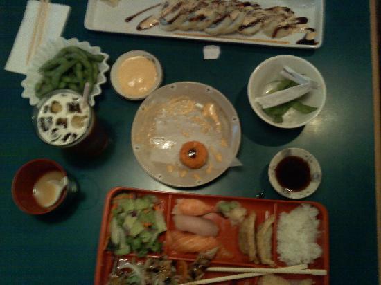 Sushi Mong : half way done eating.