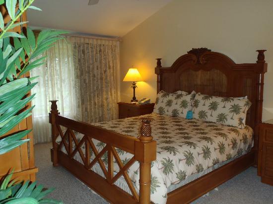 Kona Coast Resort: Master bedroom