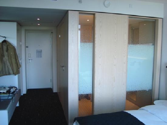 เบลลาสกายคอมเวล: medium room