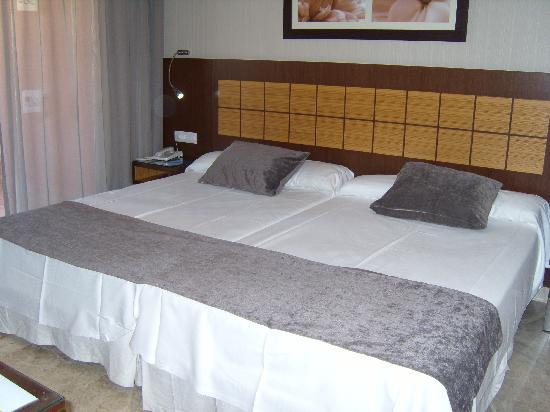 Holiday Polynesia: Hotel Room - 725