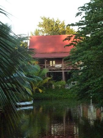 บ้านไทยเฮาส์: Thai Villa