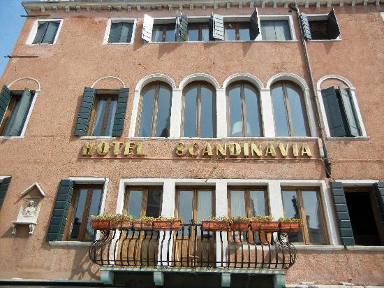 Hotel Scandinavia - Relais: Front of hotel
